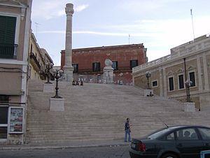 ブリンディジ アッピア街道の終点を示す柱